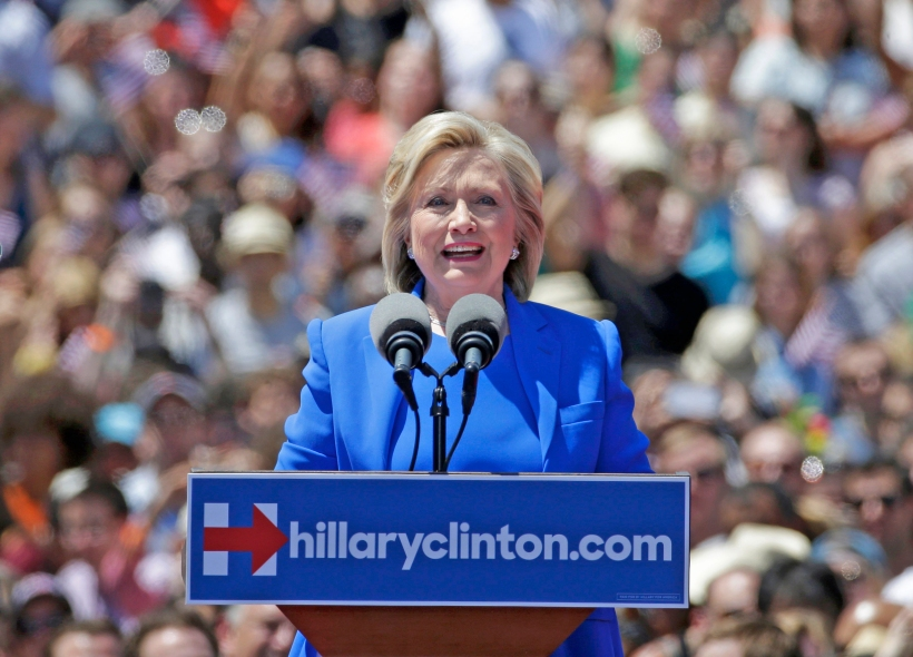 """U.S. Democratic presidential candidate Hillary Clinton delivers her """"official launch speech"""" at a campaign kick off rally in Franklin D. Roosevelt Four Freedoms Park on Roosevelt Island in New York City, June 13, 2015.  REUTERS/Brendan McDermid"""